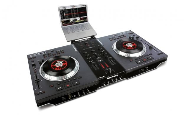 Ns7 numark performance controller with serato itch numark for Dj controller motorized platters